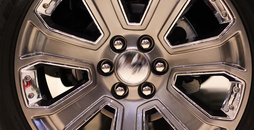 Pittura per rinnovare, abbellire e proteggere dall'usura cerchioni e copri cerchioni di auto, moto, motocicli, biciclette.