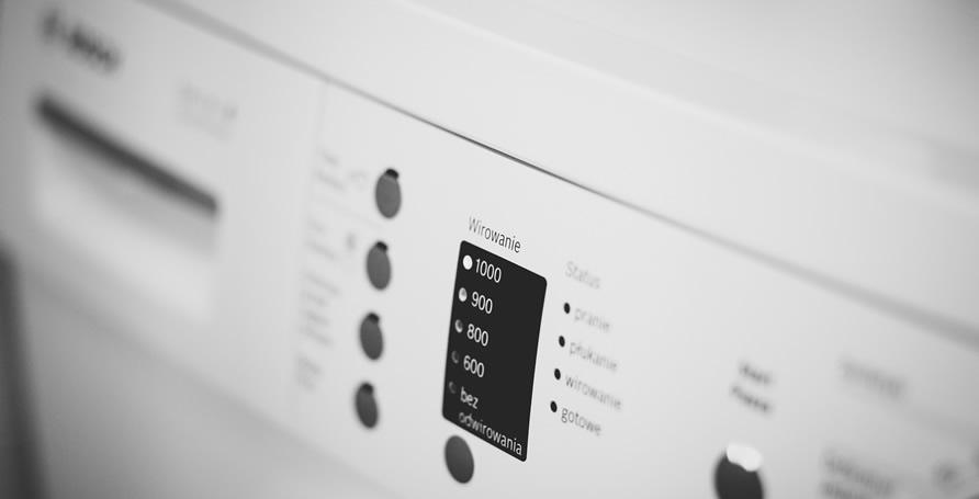 Smalto per la decorazione e la protezione di elettrodomestici